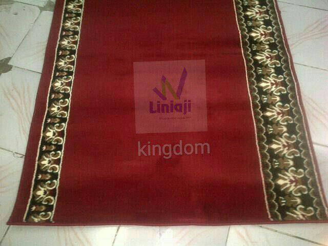 Karpet Kingdom merah